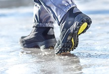 walking in boots on ice